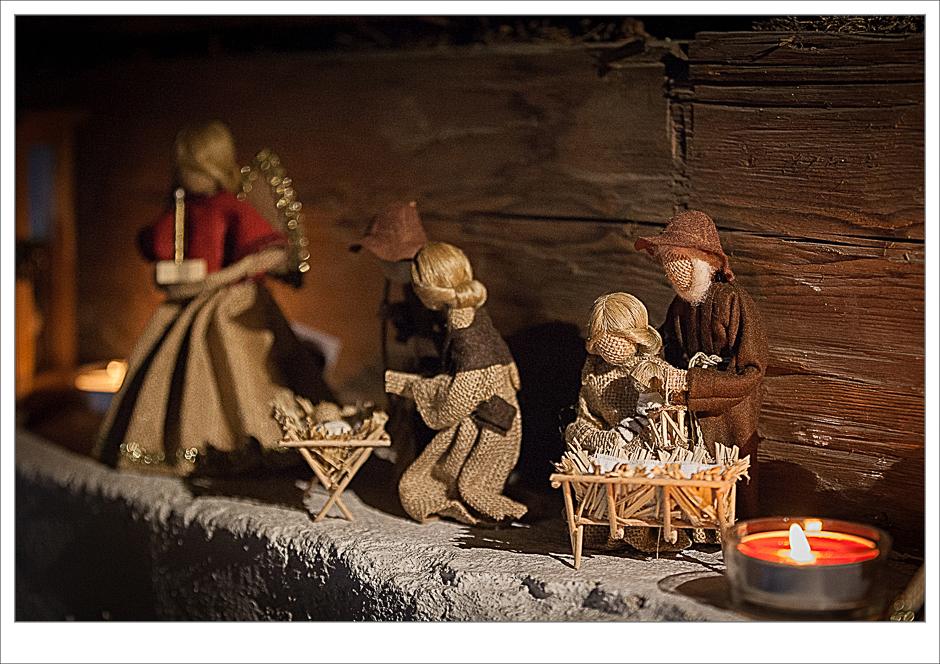 Krippe, Holzfiguren, Sisal, Handwerk, Weihnacht
